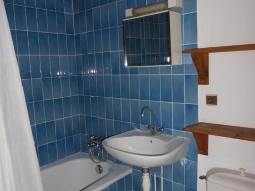 location appartement 1 pi ce orl ans 45000 241919. Black Bedroom Furniture Sets. Home Design Ideas
