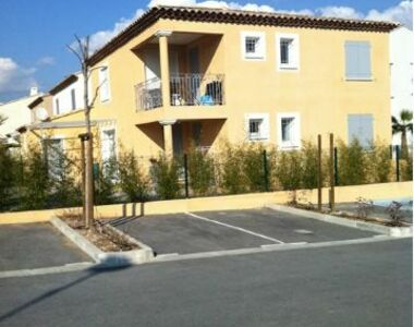 Renting Apartment 3 rooms 65m² Hyères (83400) - photo