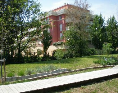 Renting Apartment 3 rooms 63m² La Garde (83130) - photo