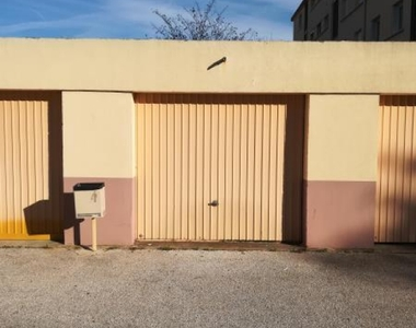 Sale Garage La Garde (83130) - photo