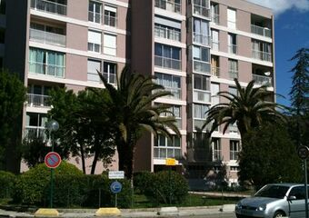 Renting Apartment 2 rooms 50m² La Garde (83130) - photo