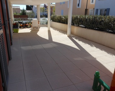 Renting Apartment 3 rooms 63m² Hyères (83400) - photo