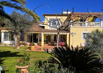 Sale House 5 rooms 154m² CARQUEIRANNE - photo