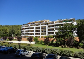 Renting Apartment 2 rooms 51m² La Garde (83130) - Photo 1