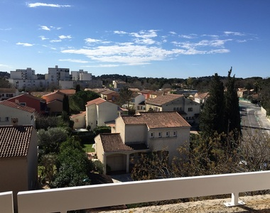 Renting Apartment 1 room 29m² La Garde (83130) - photo