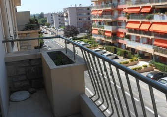 Renting Apartment 53m² La Garde (83130) - photo