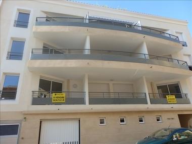 Sale Garage 25m² Hyeres - photo