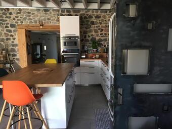 Vente Maison 4 pièces 90m² Saint-Genès-Champanelle (63122) - Photo 1