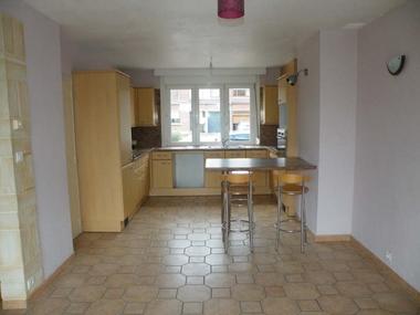 Location Maison 4 pièces 80m² Caëstre (59190) - photo