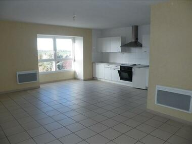 Location Appartement 4 pièces 67m² Wormhout (59470) - photo