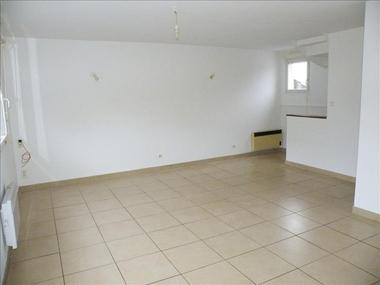 Location Appartement 3 pièces 60m² Rexpoëde (59122) - photo