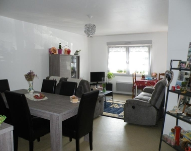 Location Appartement 3 pièces 65m² Wormhout (59470) - photo