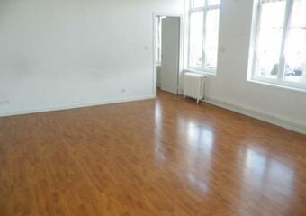 Location Appartement 4 pièces 70m² Steenvoorde (59114) - Photo 1