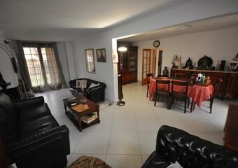Vente Maison 8 pièces 143m² Breuillet (91650) - photo 2