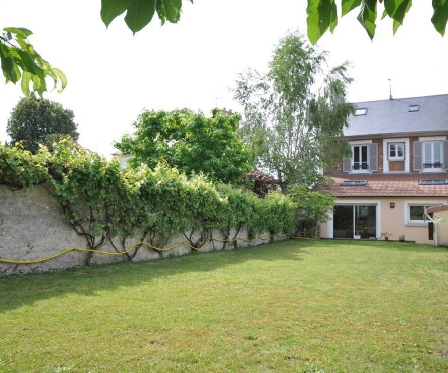 Vente Maison 6 pièces 130m² Bruyères-le-Châtel (91680) - photo