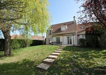 Vente Maison 8 pièces 142m² Bruyères-le-Châtel (91680) - Photo 1