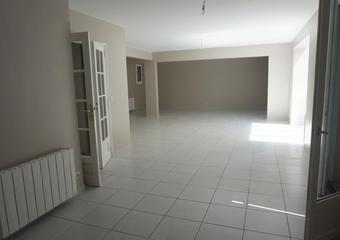 Location Maison 7 pièces 176m² Saint-Nom-la-Bretèche (78860)