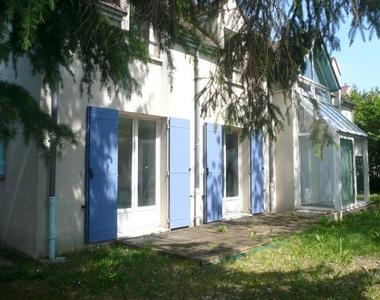Location Maison 7 pièces 176m² Saint-Nom-la-Bretèche (78860) - photo
