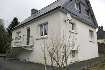 Sale House 6 rooms 90m² Plounévez-Moëdec (22810) - photo