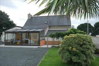 Sale House 7 rooms 150m² Le Vieux-Marché (22420) - photo
