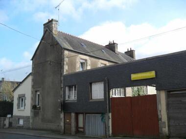Sale House 7 rooms 162m² Plouaret (22420) - photo