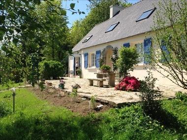 Vente Maison 9 pièces 209m² Guerlesquin (29650) - photo