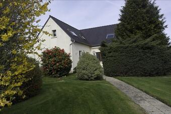 Vente Maison 10 pièces 220m² Belle-Isle-en-Terre (22810) - photo