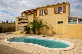 Sale House 7 rooms 180m² Sorgues (84700) - photo