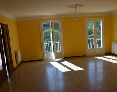 Renting Apartment 4 rooms 106m² Monteux (84170) - photo