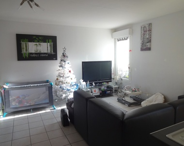 Sale Apartment 4 rooms 70m² Cheval-Blanc (84460) - photo