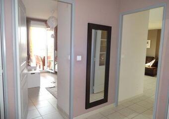 Renting Apartment 3 rooms 75m² Entraigues-sur-la-Sorgue (84320) - Photo 1