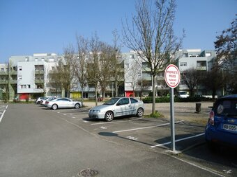 Location Garage 12m² Sélestat (67600) - Photo 1