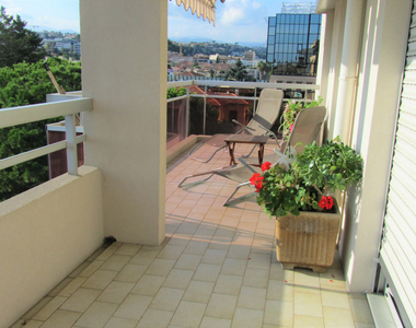 Sale Apartment 4 rooms 86m² Saint-Laurent-du-Var (06700) - photo