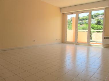 Sale Apartment 2 rooms 47m² Saint-Laurent-du-Var (06700) - photo
