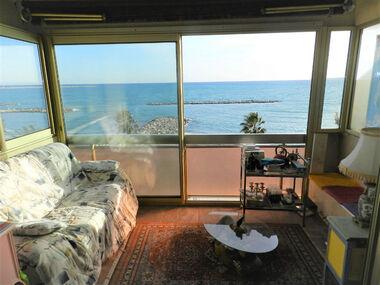 Sale Apartment 2 rooms 42m² Saint-Laurent-du-Var (06700) - photo