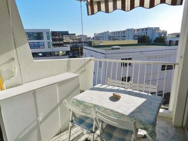 Sale Apartment 2 rooms 38m² Saint-Laurent-du-Var (06700) - photo