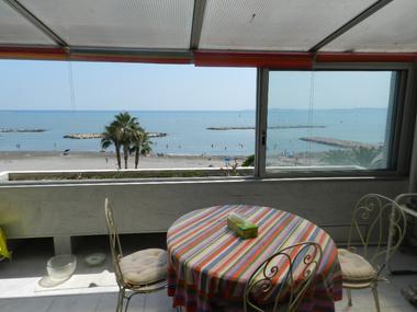 Sale Apartment 2 rooms 55m² Saint-Laurent-du-Var (06700) - photo
