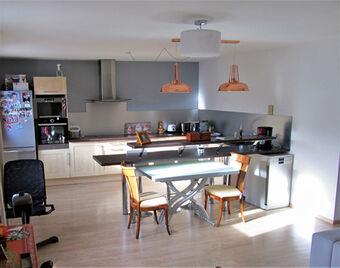 Sale Apartment 4 rooms 78m² Saint-Laurent-du-Var (06700) - photo