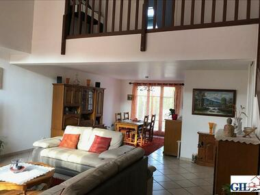Vente Maison 7 pièces 146m² Cesson (77240) - photo