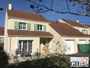 Vente Maison 6 pièces 110m² Savigny-le-Temple (77176) - photo
