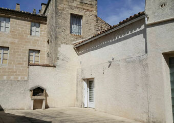 Location Maison 4 pièces 113m² Aramon (30390) - Photo 1