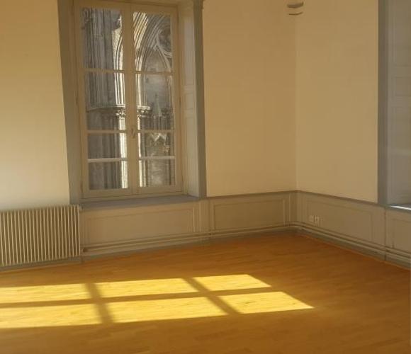 Location Appartement 3 pièces 65m² Bayeux (14400) - photo