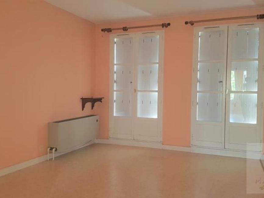 Location Appartement 2 pièces 59m² Bayeux (14400) - photo
