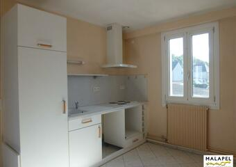 Renting Apartment 3 rooms 71m² Arromanches-les-Bains (14117) - Photo 1
