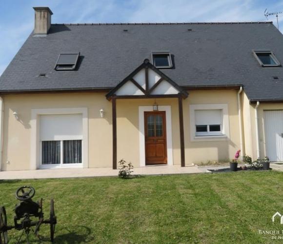 Sale House 6 rooms 140m² Jurques - photo