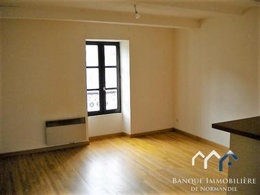 Location Appartement 2 pièces 40m² Creully (14480) - photo