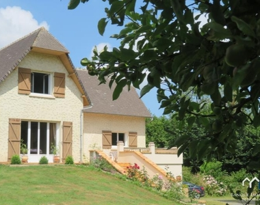 Vente Maison 8 pièces 180m² Caumont-l evente - photo