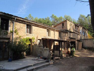 Vente Maison 10 pièces 400m² Villecroze (83690) - photo
