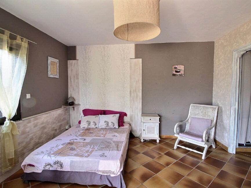 Vente maison 8 pi ces draguignan 83300 304473 for Au bureau draguignan