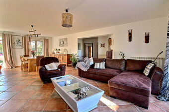 Location Maison 5 pièces 135m² Trans-en-Provence (83720) - Photo 1